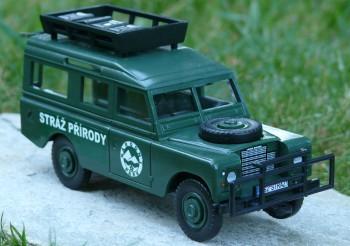 plastové auto strážců přírody