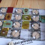 Desková hra Strážci přírody - deska řešení událostí s kartičkami