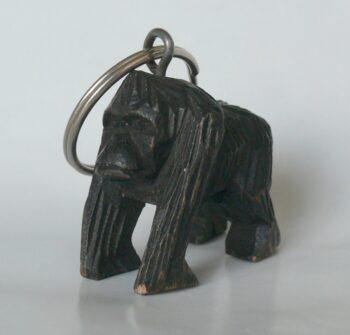 konžský přírodní suvenýr - dřevěná figurka gorily