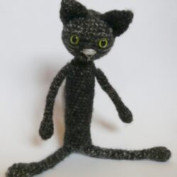 háčkovaná kočka divoká