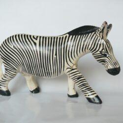 konžský přírodní suvenýr - dřevěná figurka zebry